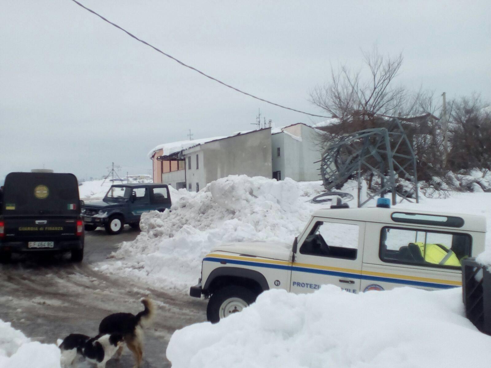 Emergenza neve in Centro Italia: il cuore straordinario dell'Italia che sa aiutare gli altri | Emergency Live 4