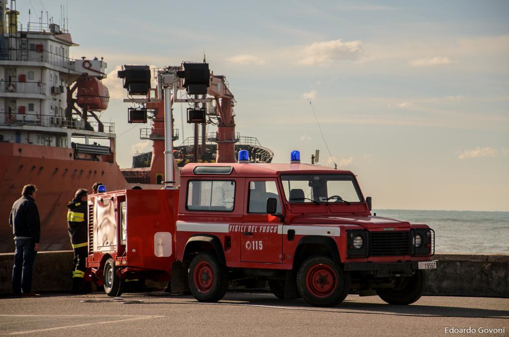 REPORT - Le operazioni di disincaglio della SIGMA di fronte all'Ardenza di Livorno | Emergency Live 4