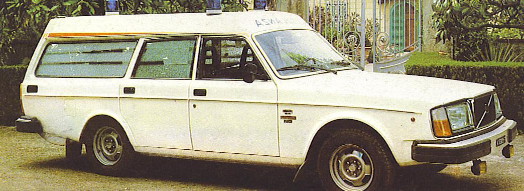 Foto 24: la Volvo 245 nella versione bassa e con passo normale; foto da depliant M.A.F.