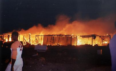 1480631067631.jpeg–incendio_distrugge_il_gran_ghetto_di_rignano