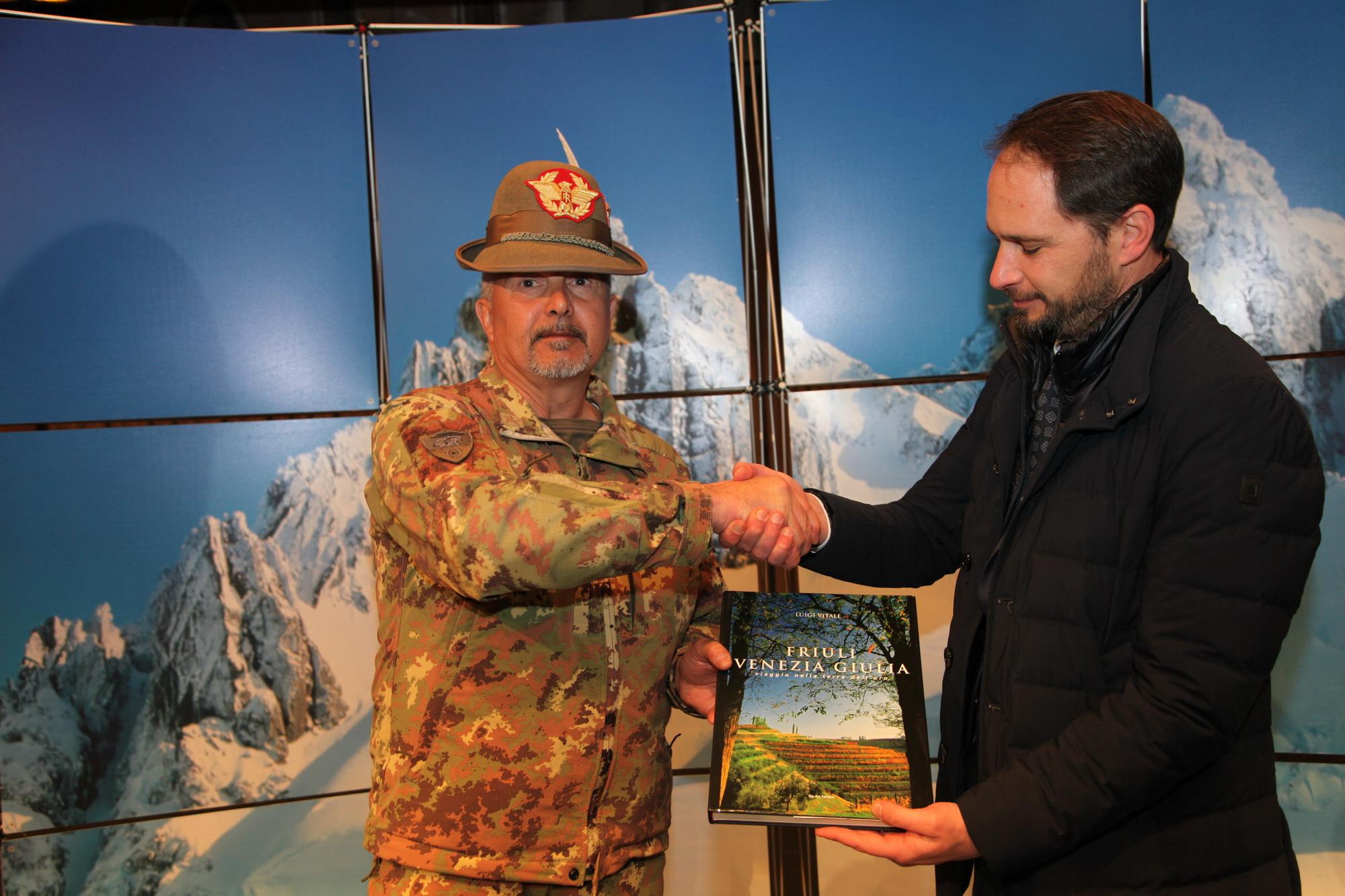 Il Comandante delle Truppe Alpine e il Presidente dell'AINEVA