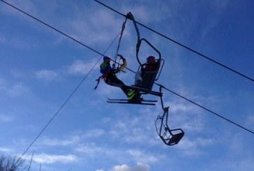 Soccorso in seggiovia con vento a 140 km/h: l'impressionante video del CNSAS e il coraggio degli operatori