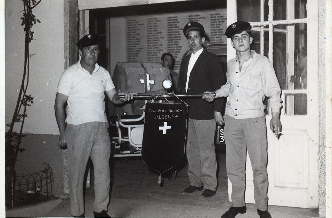 Storia delle associazioni d'Italia: La Croce Bianca di Albenga | Emergency Live 15
