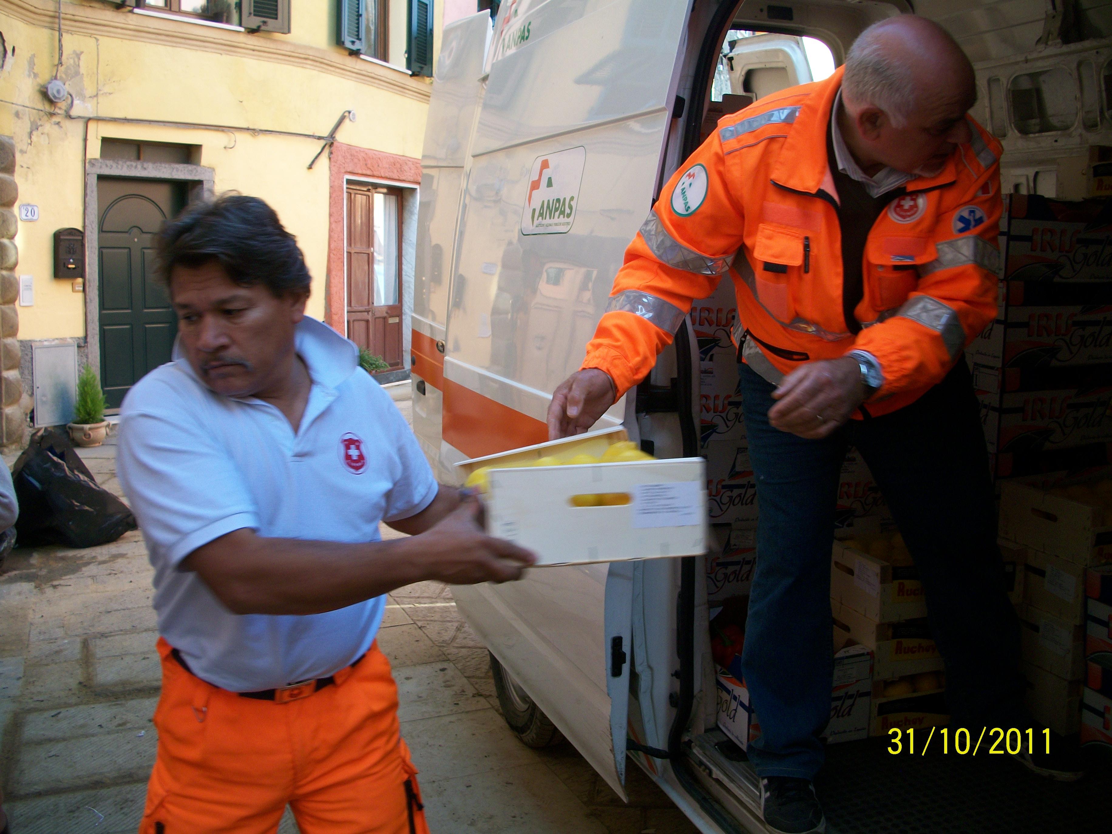 Consegna viveri Alluvione 5 Terre(14)