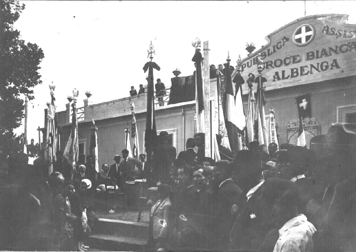 Storia delle associazioni d'Italia: La Croce Bianca di Albenga | Emergency Live 120