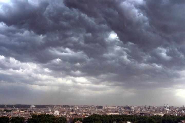 Maltempo: ancora temporali e venti forti