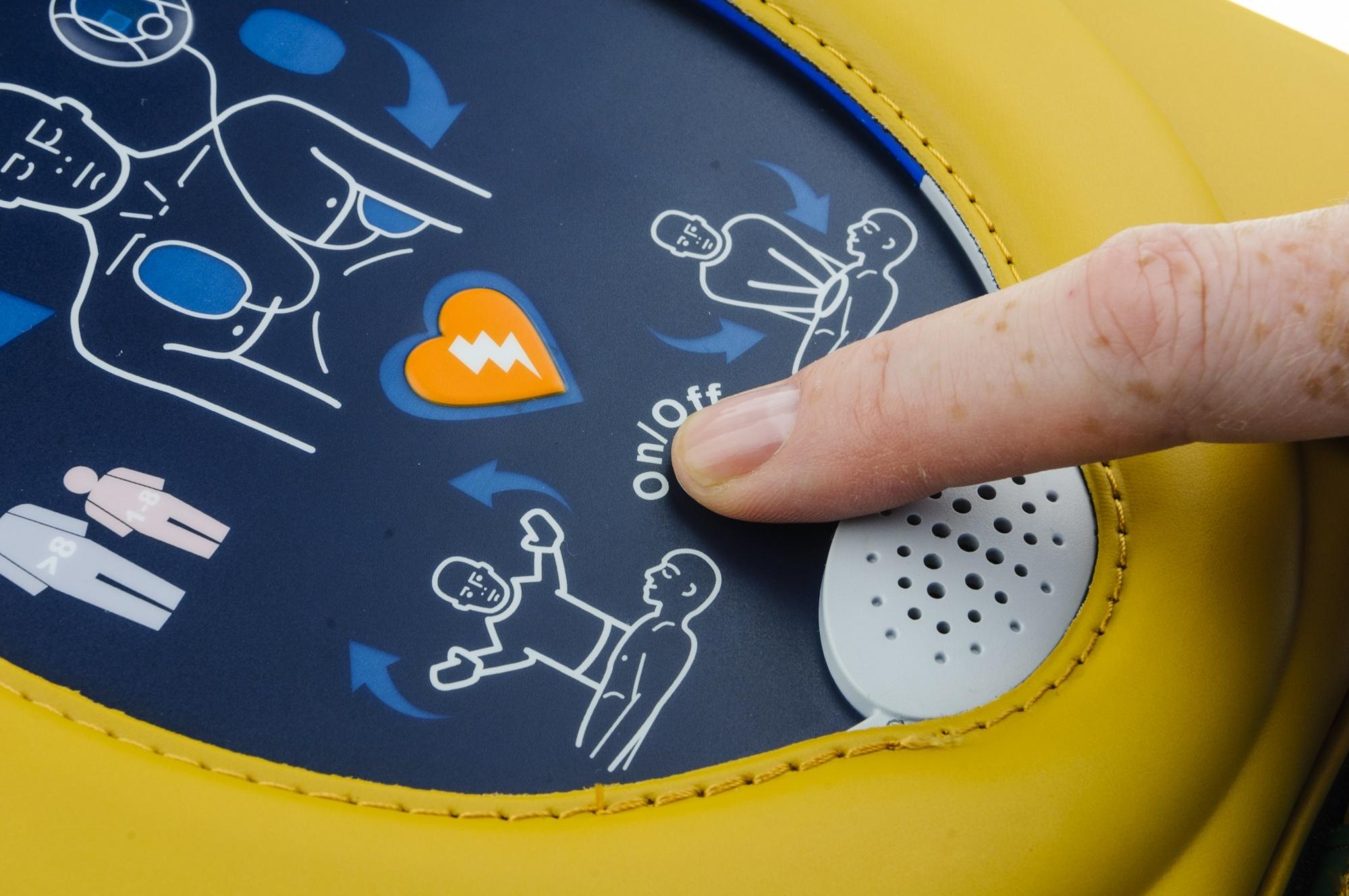 Il defibrillatore per esterni: HeartSine samaritan PAD 350P come funziona e dove acquistarlo? | Emergency Live 4
