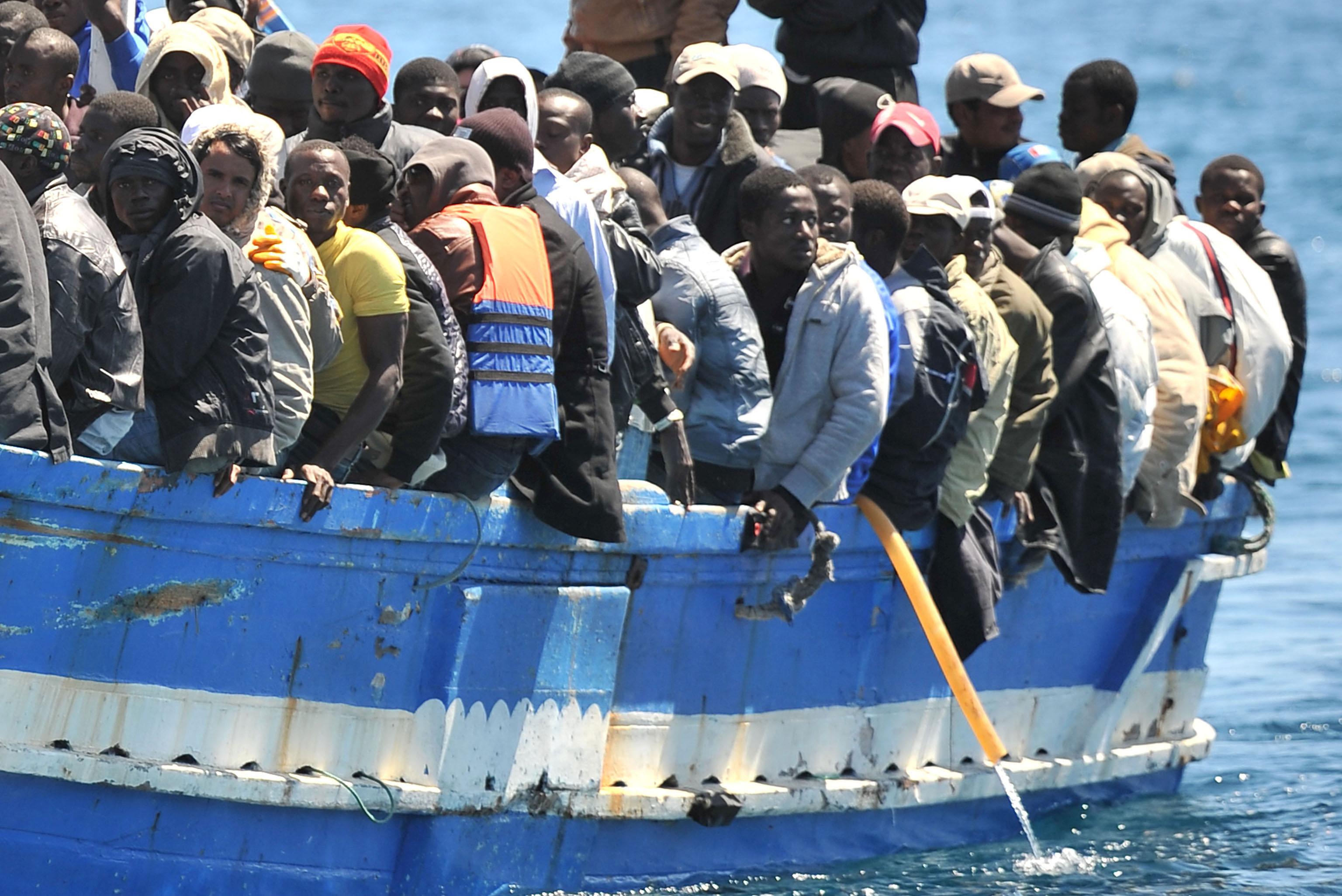 migranti_crotone