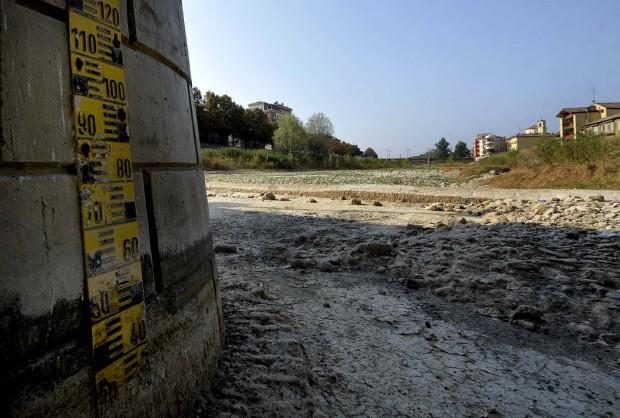 Il fiume Parma in secca – foto Parma Repubblica