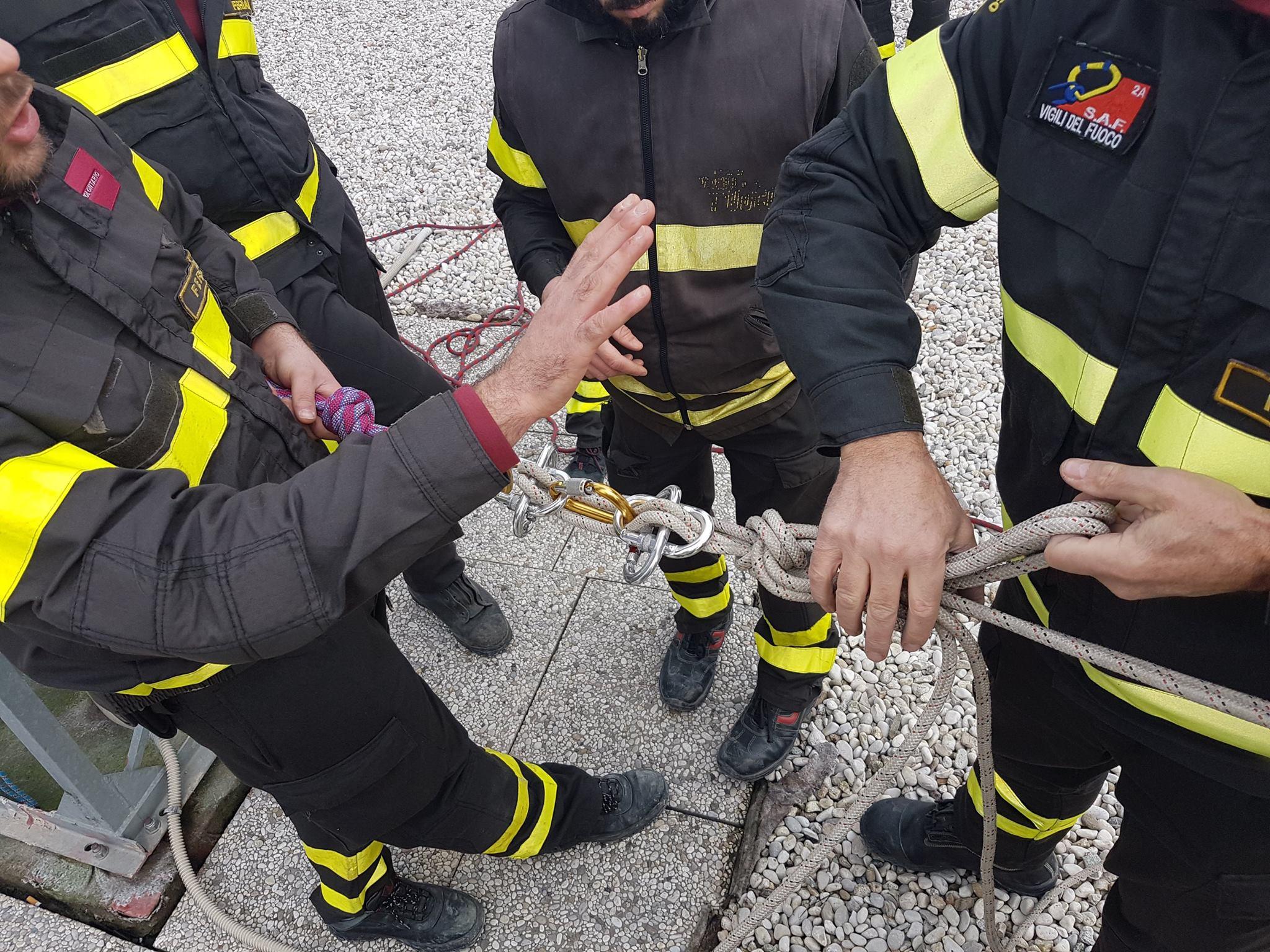 Fiammeblu a Bondeno per i 14 anni dei Vigili del Fuoco Volontari | Emergency Live 7