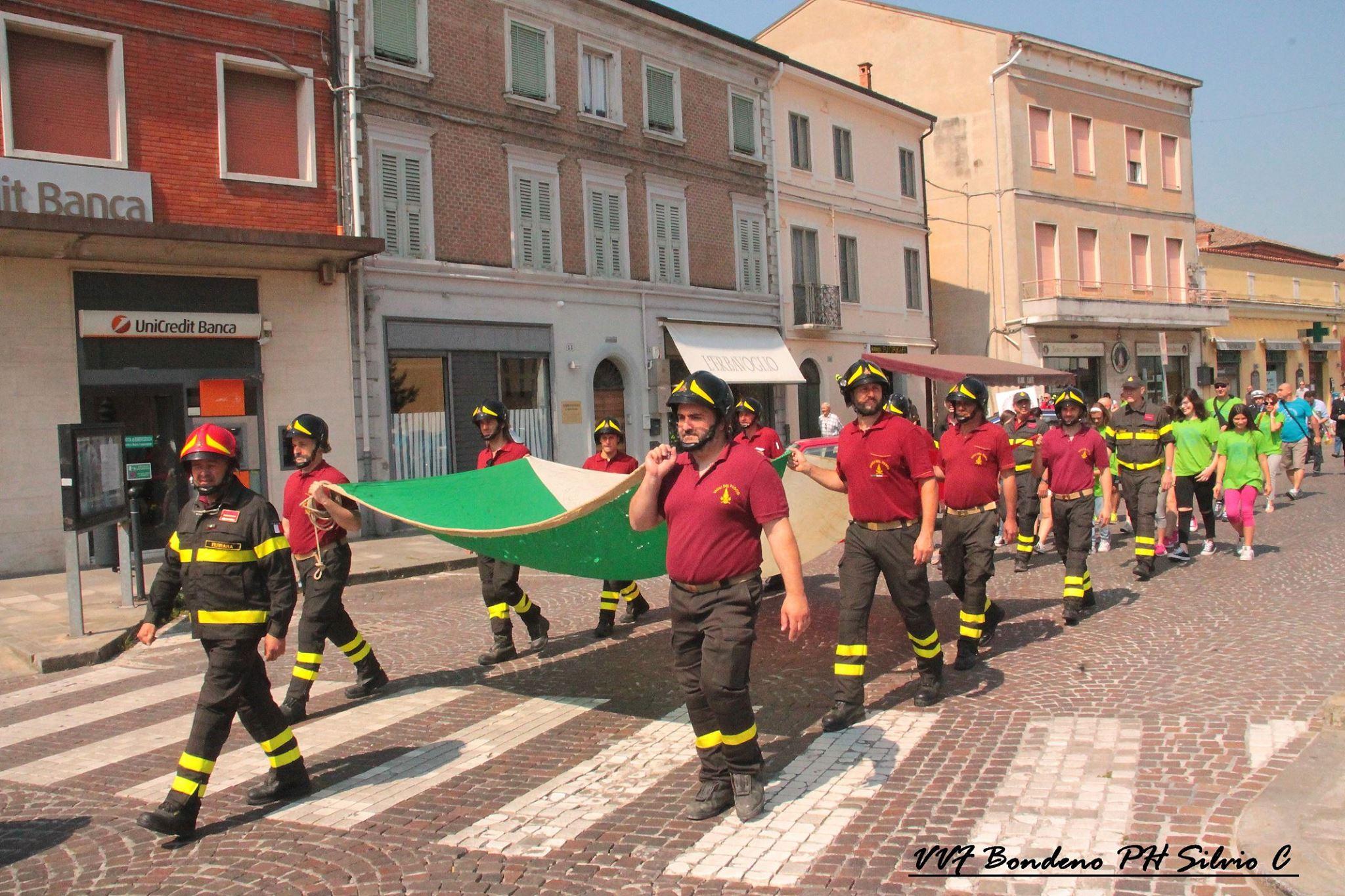 Fiammeblu a Bondeno per i 14 anni dei Vigili del Fuoco Volontari | Emergency Live 9