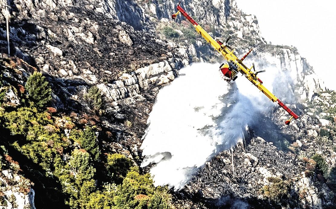 Incendi: 15 richieste intervento aereo