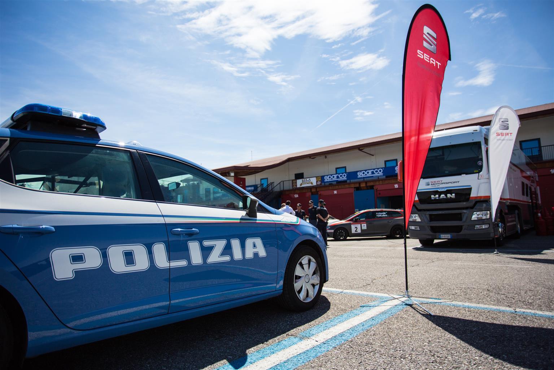 Guida sicura in emergenza: Cosa fa la Polizia di Stato insieme a SEAT? | Emergency Live 1