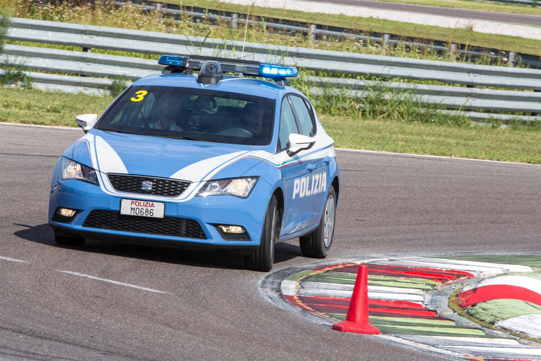 Guida sicura in emergenza: Cosa fa la Polizia di Stato insieme a SEAT? | Emergency Live 4