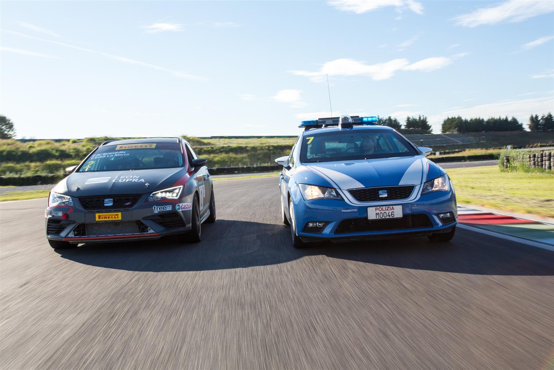 Guida sicura in emergenza: Cosa fa la Polizia di Stato insieme a SEAT? | Emergency Live 5