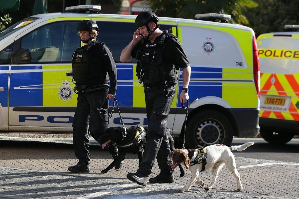 Londra: attacco terroristico in metropolitana – 18 i feriti e un secondo ordigno disinnescato