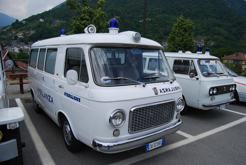 13: Fiat 238, nella versione carrozzata da Savio e commercializzata tramite le concessionarie Fiat. E' una prima serie, oggi di proprietà del collezionista vercellese Carlo Marazzato – foto Alberto di Grazia
