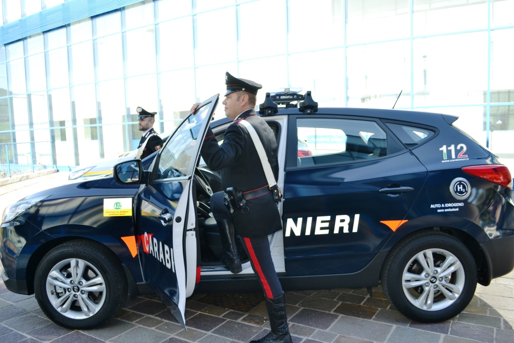20170921 CONSEGNATA AI CARABINIERI DI BOLZANO LA PRIMA AUTO A IDROGENO