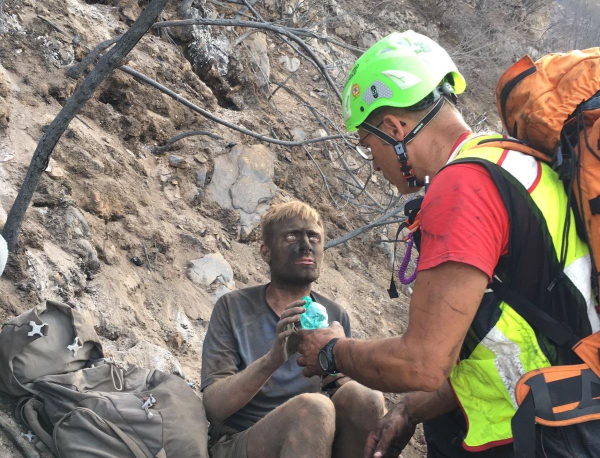 Turista salvato dagli incendi a Salerno, il report dell'intervento CNSAS