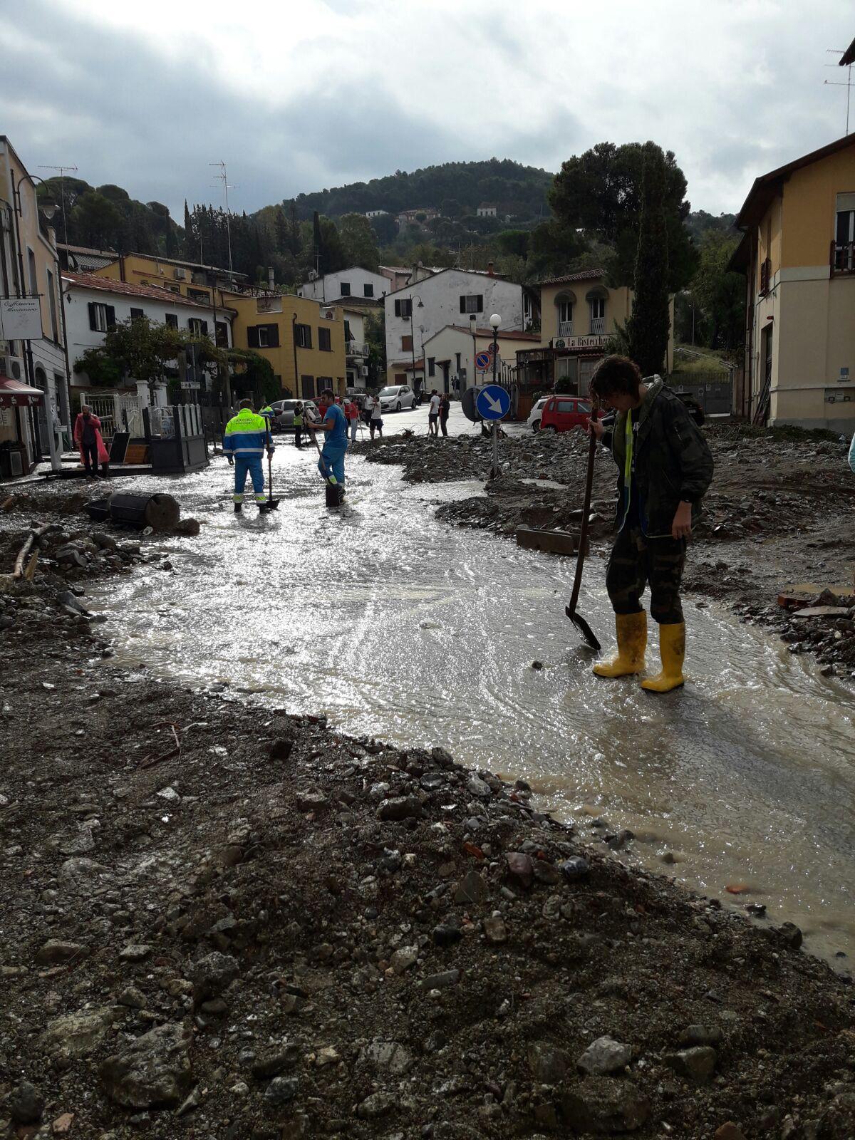 Tragedia di Livorno, la situazione operativa dell'emergenza e le foto dallo scenario di Montenero | Emergency Live 8