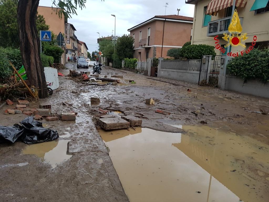 Livorno: cosa va fatto prima di una alluvione. Le carte parlano chiaro, anche sui responsabili | Emergency Live 13