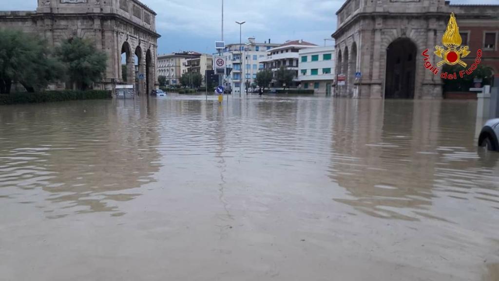 Livorno: cosa va fatto prima di una alluvione. Le carte parlano chiaro, anche sui responsabili | Emergency Live 14
