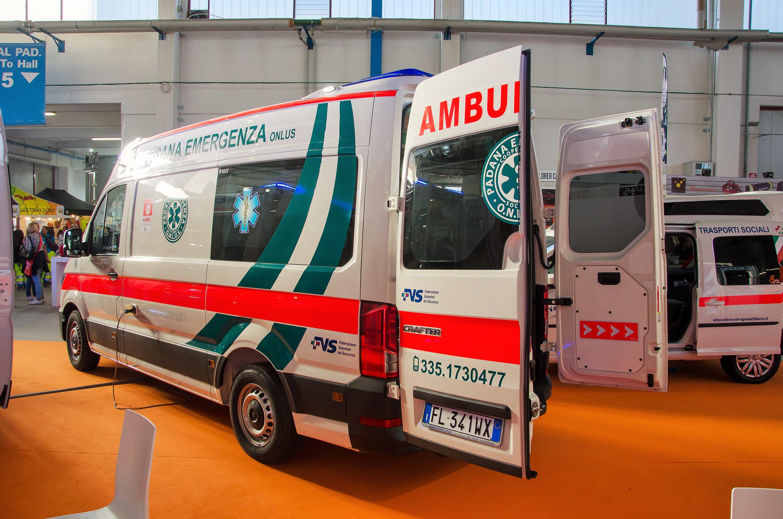 Ambulanze, com'è il nuovo Volkswagen Crafter visto in Italia? | Emergency Live 28