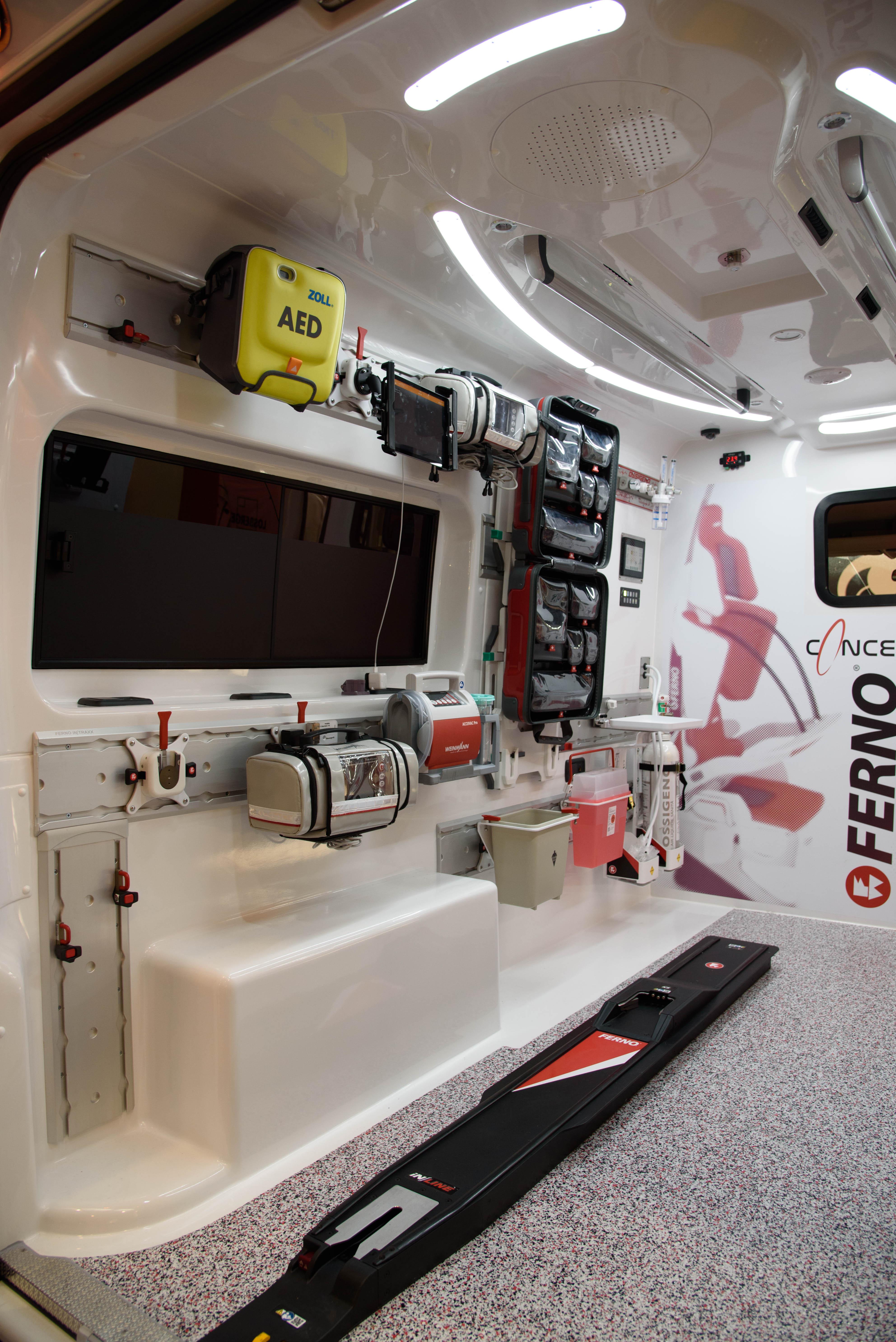 Ferno Italia presenta iNTRAXX: Come si risolvono i principali problemi di spazio e configurazione in una ambulanza? | Emergency Live 3