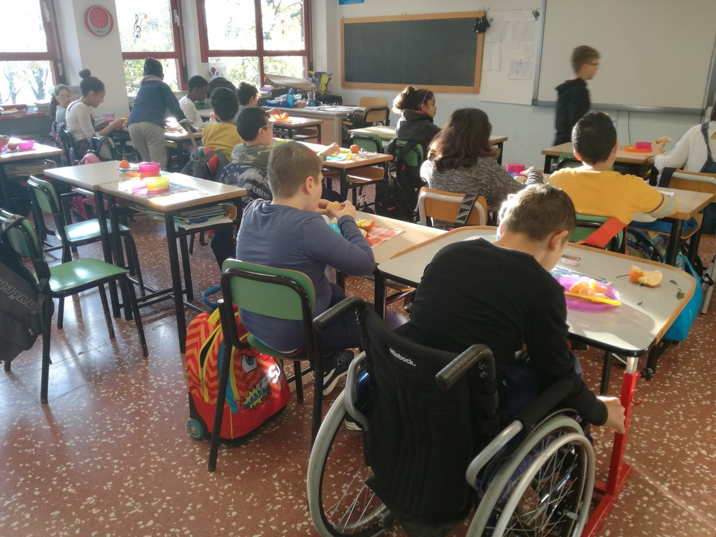Con i Breakfast Club di Kellogg e Croce Rossa, ogni giorno colazione gratuita a scuola | Emergency Live 7