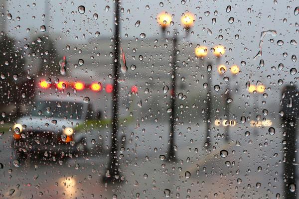 ambulanza americana nella pioggia