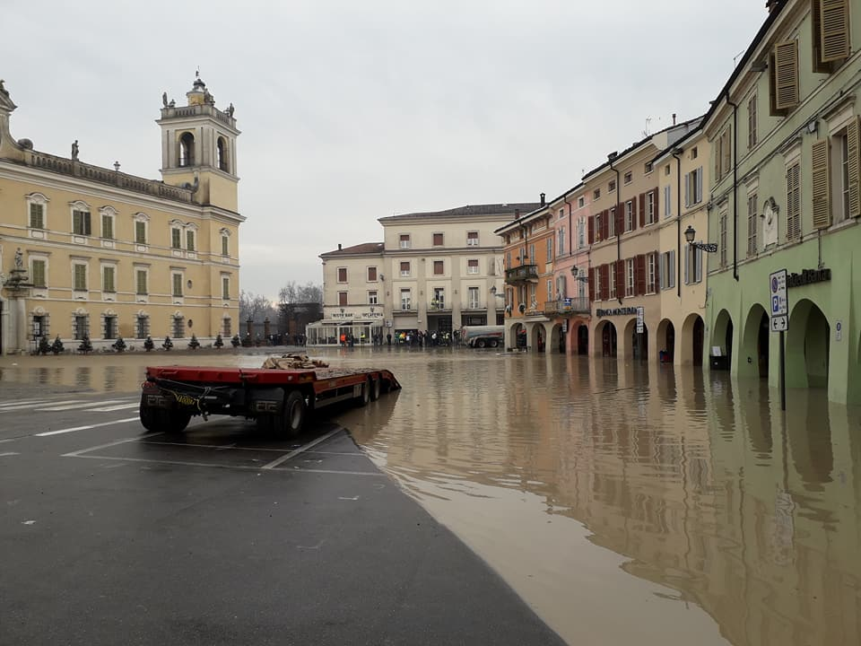 Cosa fare quando arriva una piena o un'alluvione?