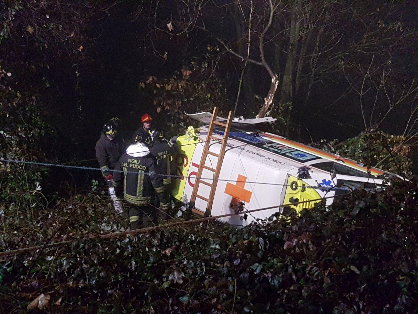 Incidente mortale per una ambulanza in Piemonte, muore il paziente a bordo