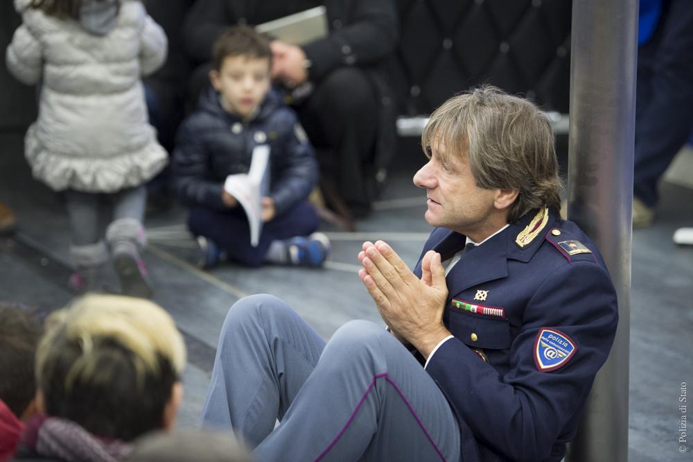 Polizia di Stato, un natale con i bimbi e i ragazzi del