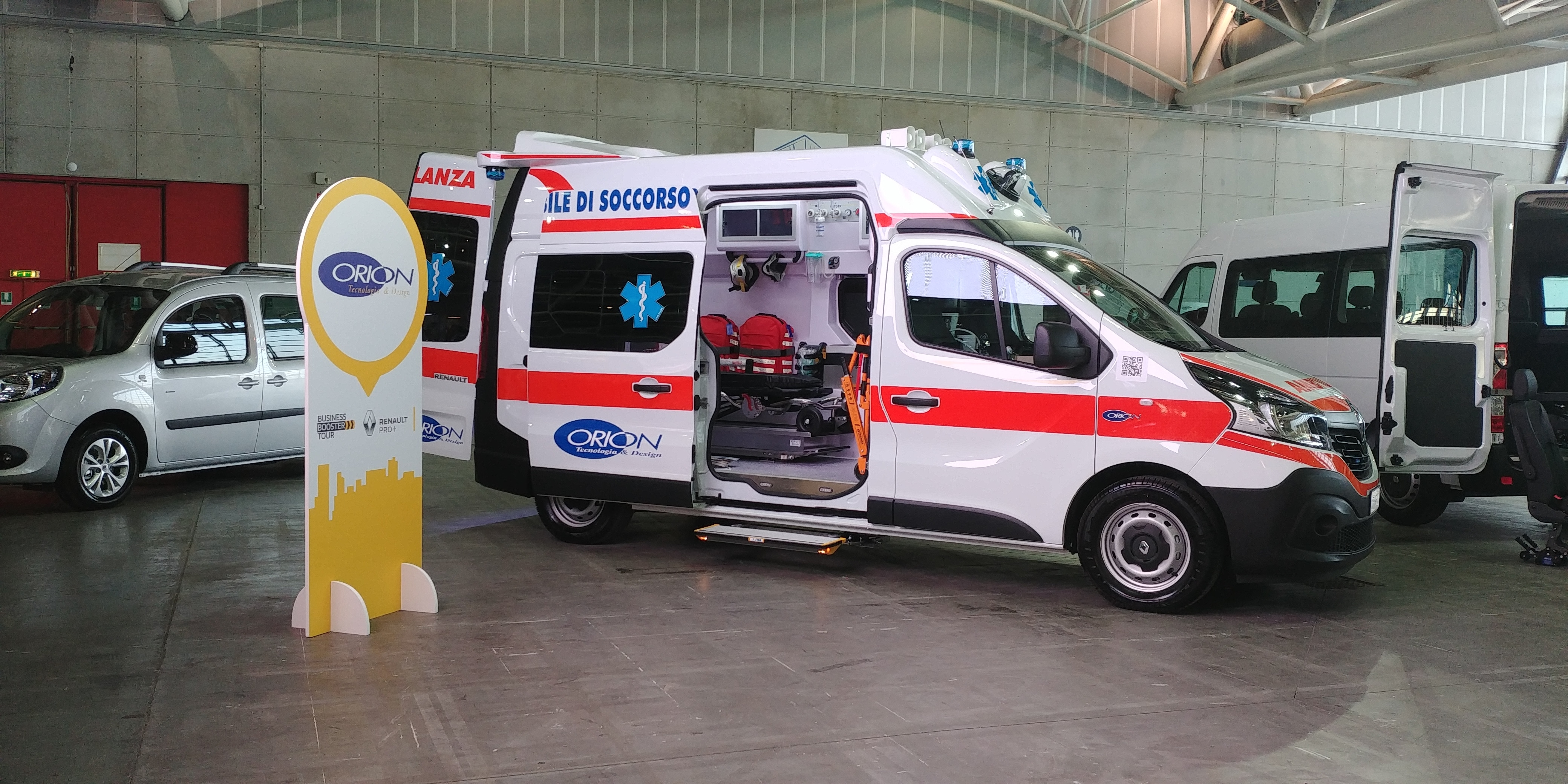 Anche l'ambulanza nel Business Booster Tour di Renault | Emergency Live 4