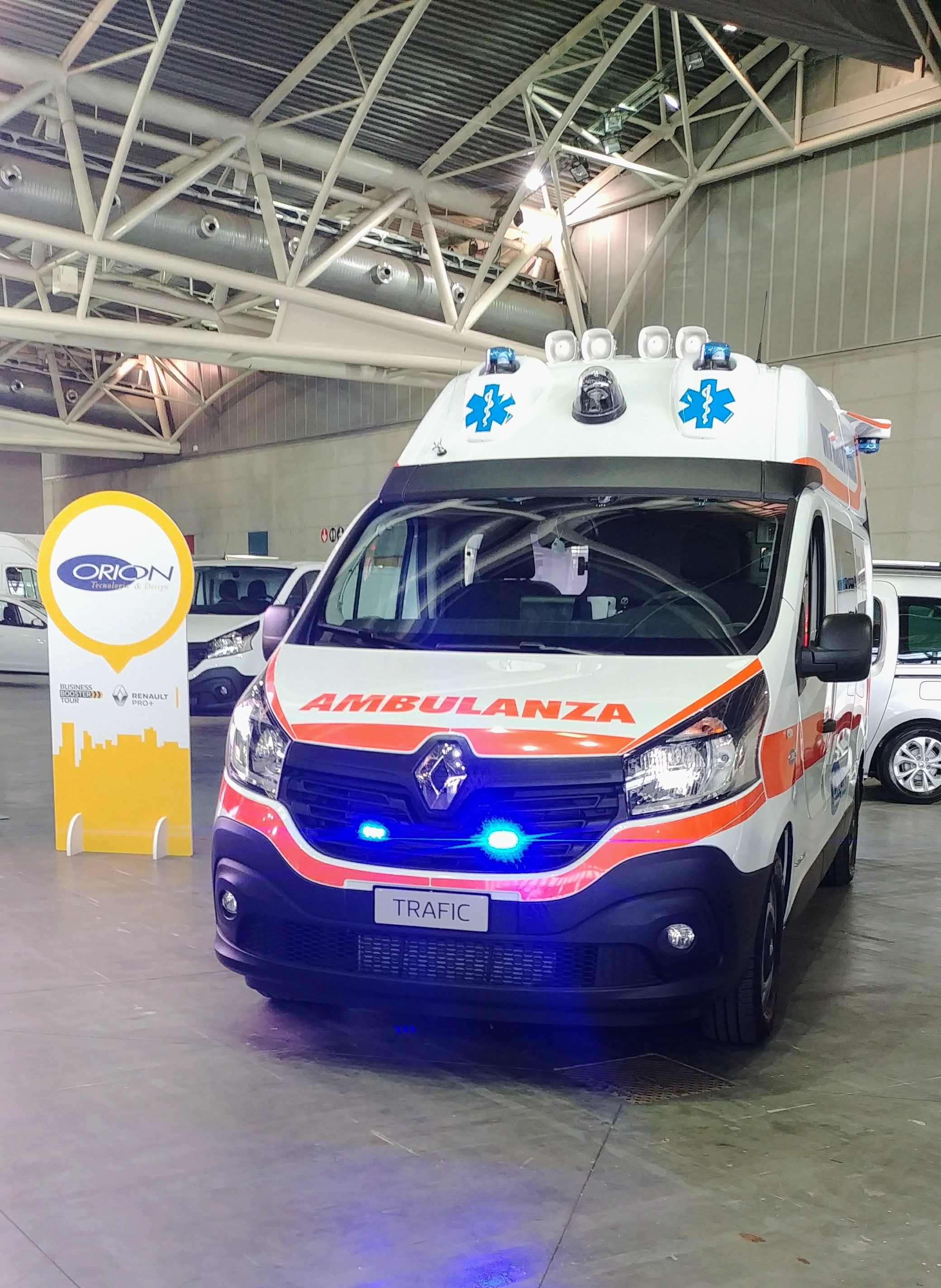 Anche l'ambulanza nel Business Booster Tour di Renault | Emergency Live 5