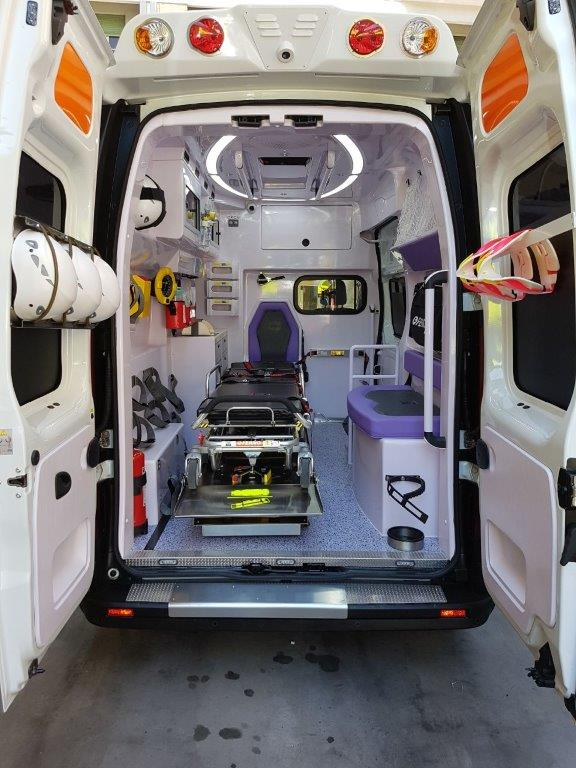 Anche l'ambulanza nel Business Booster Tour di Renault | Emergency Live 19