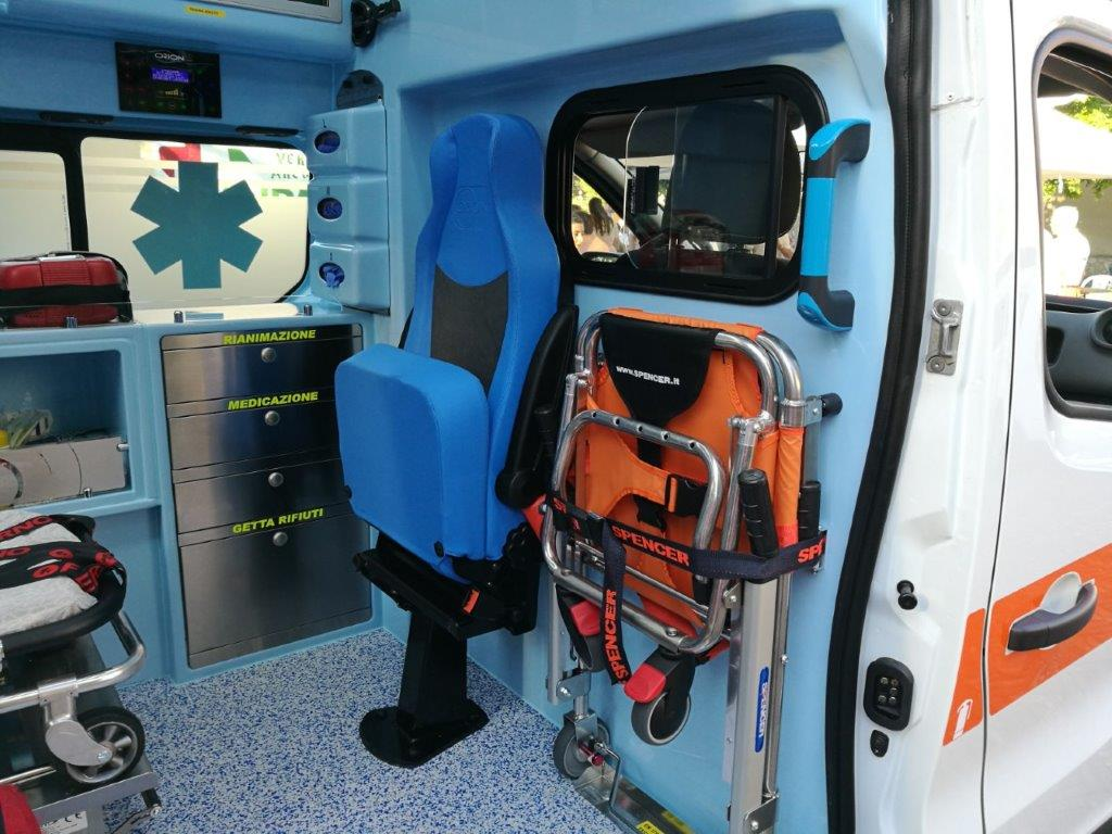 Anche l'ambulanza nel Business Booster Tour di Renault | Emergency Live 20