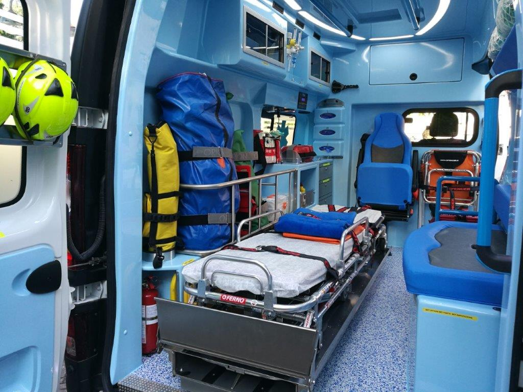 Anche l'ambulanza nel Business Booster Tour di Renault | Emergency Live 22