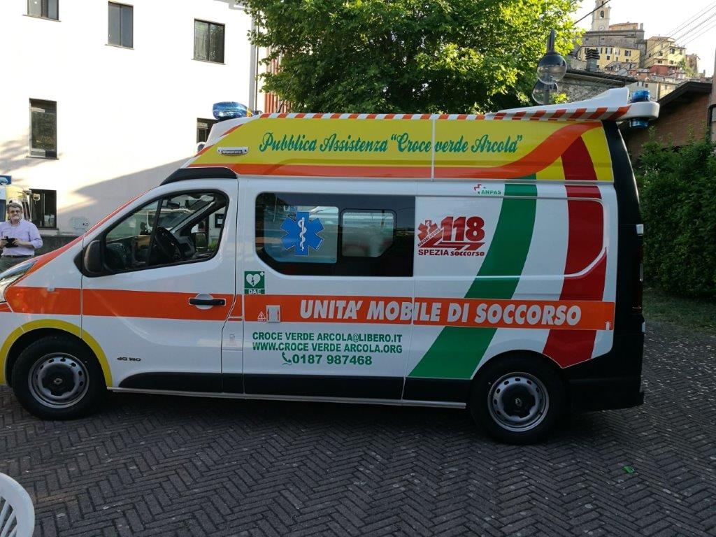 Anche l'ambulanza nel Business Booster Tour di Renault | Emergency Live 25