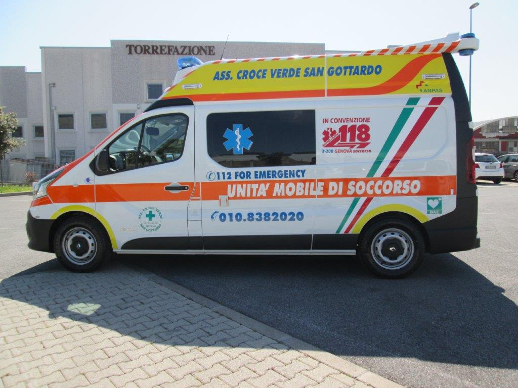 Anche l'ambulanza nel Business Booster Tour di Renault | Emergency Live 11