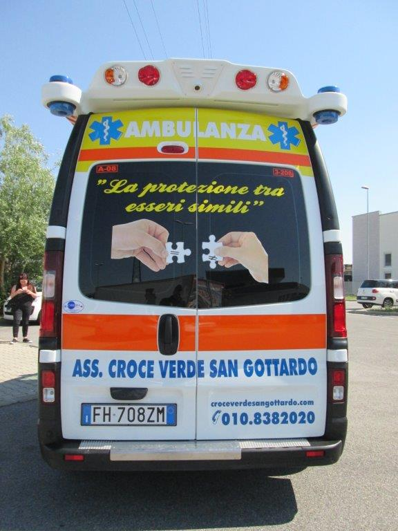Anche l'ambulanza nel Business Booster Tour di Renault | Emergency Live 12