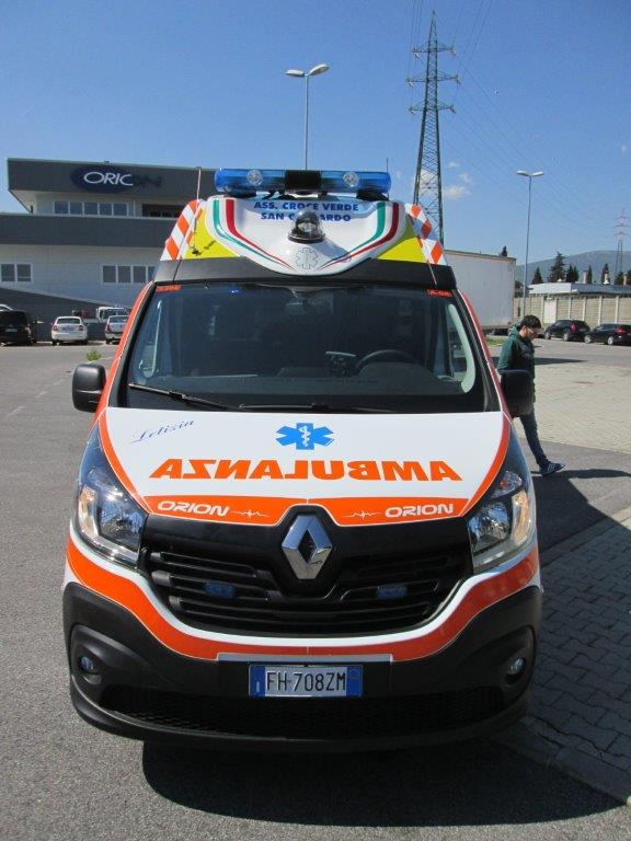 Anche l'ambulanza nel Business Booster Tour di Renault | Emergency Live 15