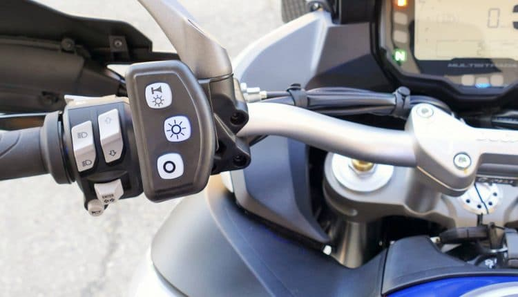 comandi lampeggianti moto polizia ducati