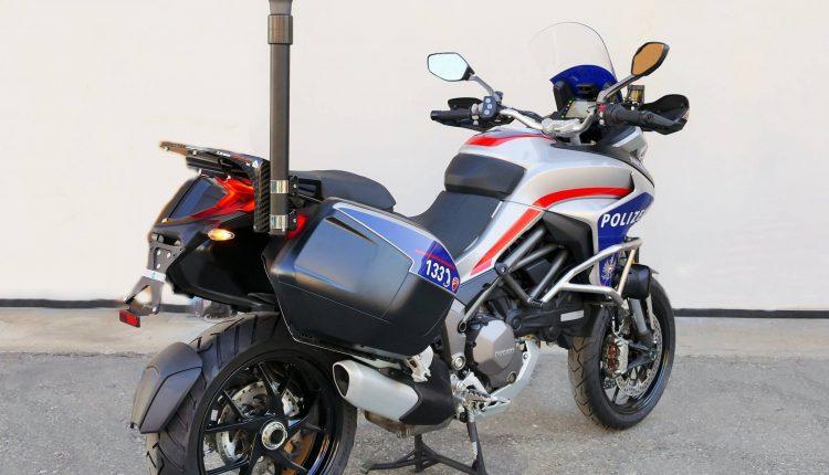 il tre quarti della moto ducati Multistrada per la Polizia realizzato da Bertazzoni