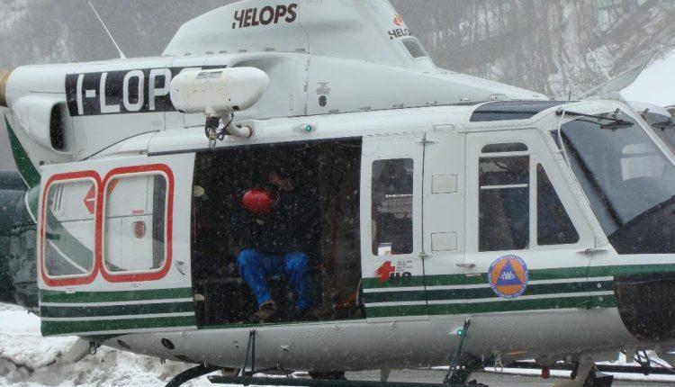 Buongiorno Sierra-Alpha 1! In volo con l'elisoccorso Valdostano | Emergency Live 8