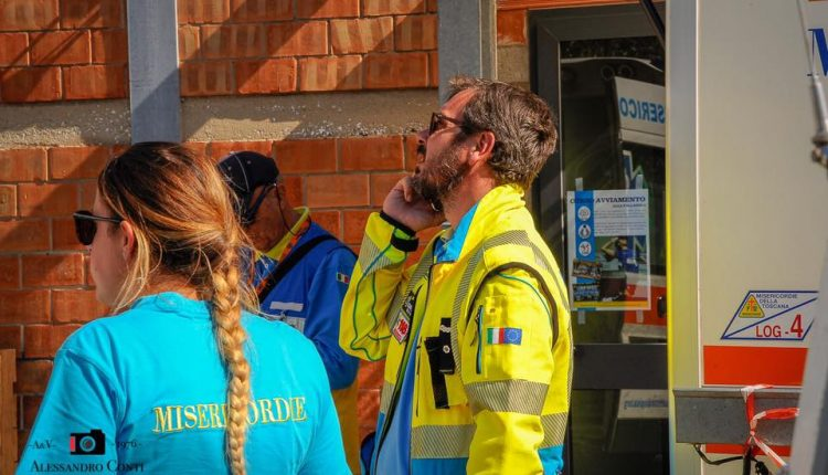 Sporchi, stanchi, ma AIB. Incendio del monte Serra, il racconto di chi c'è stato | Emergency Live 10
