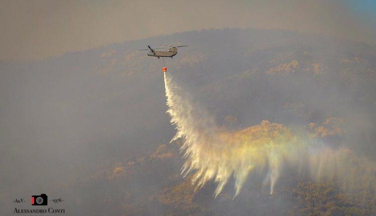 Sporchi, stanchi, ma AIB. Incendio del monte Serra, il racconto di chi c'è stato | Emergency Live 16