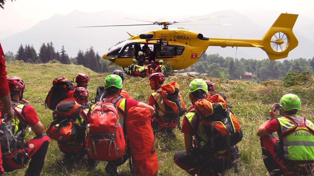 Elisoccorso avvicinamento squadra H145 airbus CNSAS