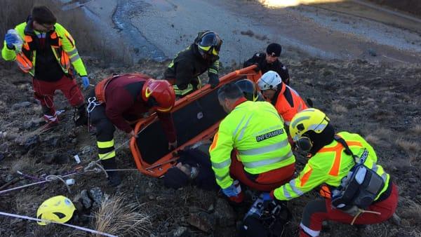 Operaio colpito da infarto su una parete rocciosa. Trasportato in elicottero al Maggiore di Parma. | Emergency Live 2