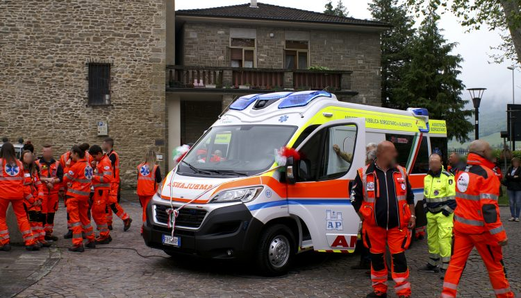 ambulanza edm borgotaro ANPAS 6